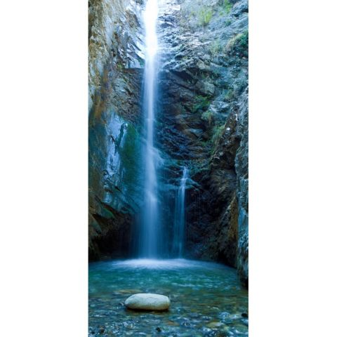 Duschrückwand mit einer Felsspalte und Wasserfall von Schön & Wieder
