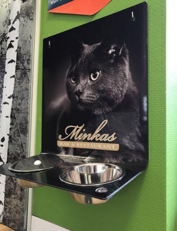 Futterstation Petti von Schön & Wieder mit Katzenmotiv