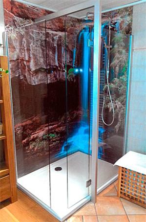 duschrueckwand-neon-wasserfall